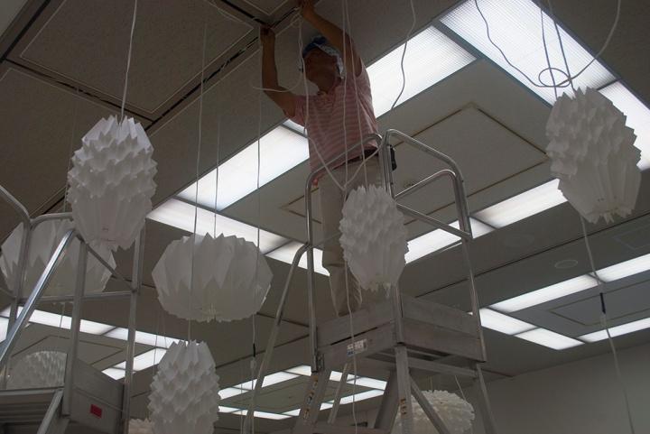 Yoshimasa Nakata did beautiful electrical wirings at the exhibition