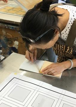 Separating a single foil sheet